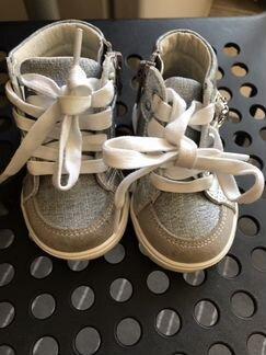10b5a2e79807 Обувь для девочек - купить зимнюю и осеннюю обувь в Москве на Avito