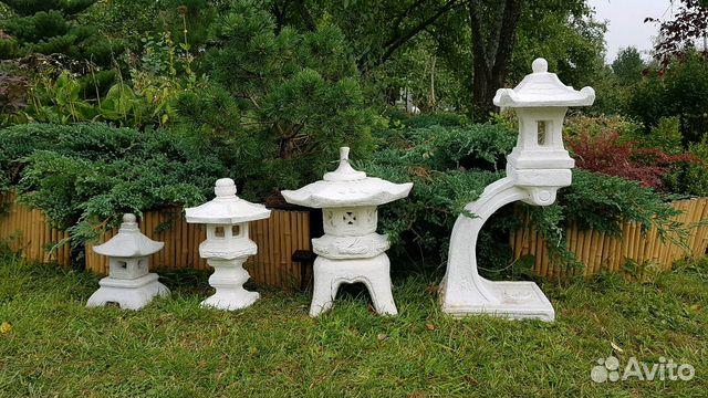 Оки-торо - это один из самых маленьких фонарей в японской традиции садового искусства.