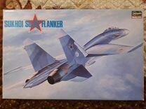 Сборная модель истребителя Су-27