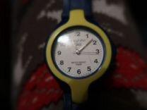 Наручные часы qq, пластиковые